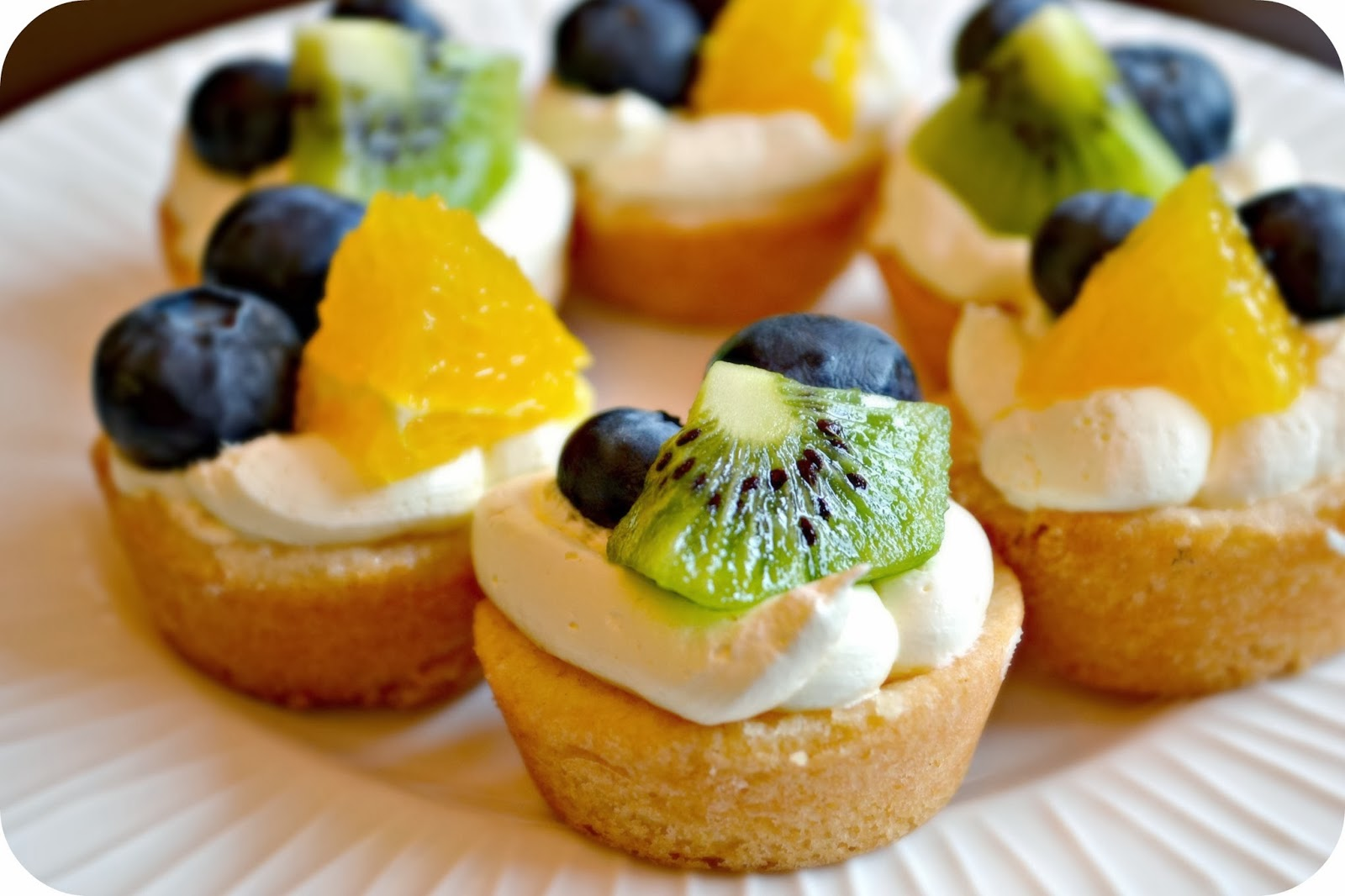 Macke Monologues: Mini Fruit Pizzas