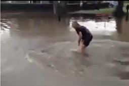 Aksi Bodoh Pria Melompat di Genangan Air Berakhir Denda