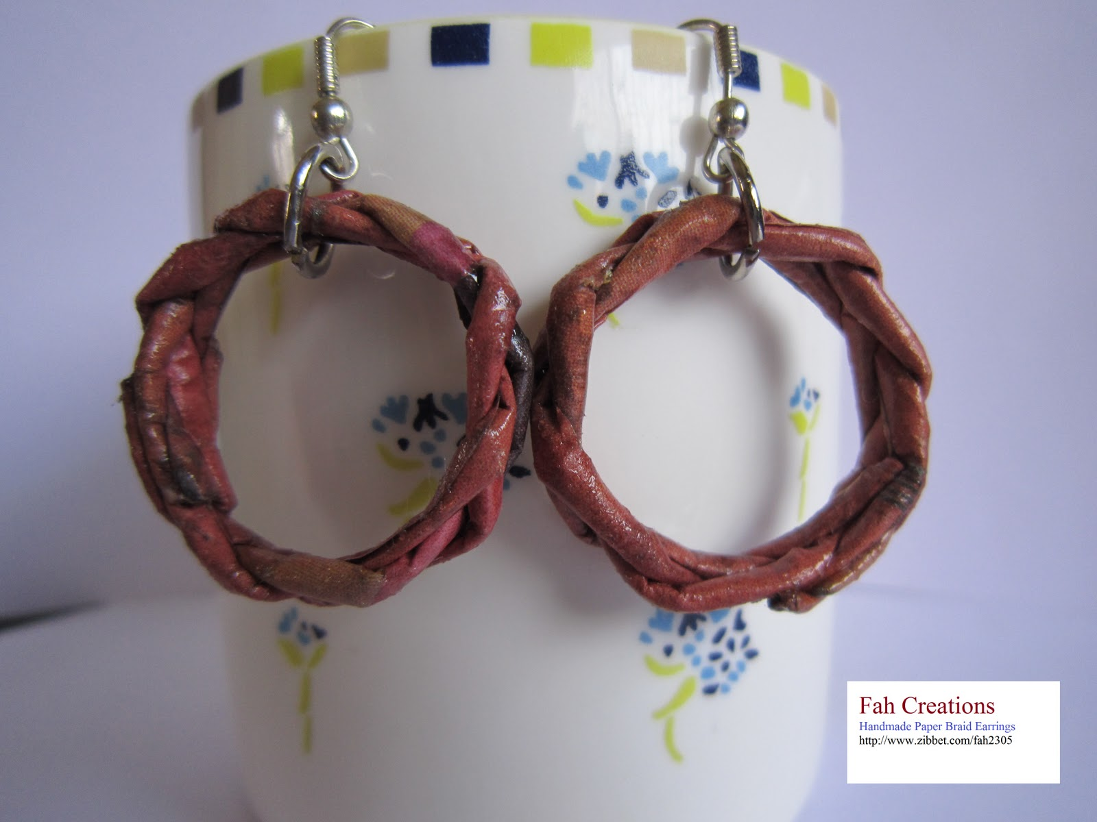 http://1.bp.blogspot.com/-0nkorjIl9e0/TpLsYFIIpnI/AAAAAAAAAG8/Hqw9msrg4Pg/s1600/Handmade+Rolled+Paper+Braid+Earrings.jpg
