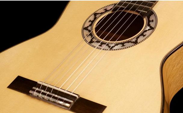 một số lưu ý khi học guitar