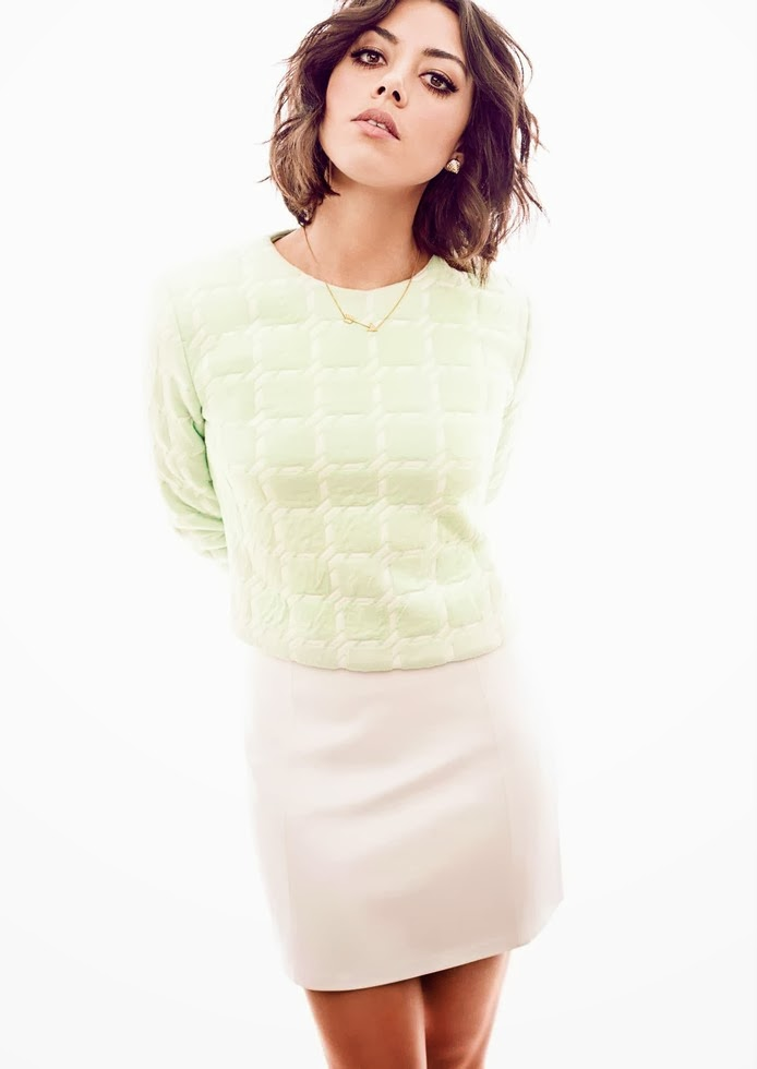 Aubrey Plaza Magazine Photoshoot For Glow Magazine December 2013