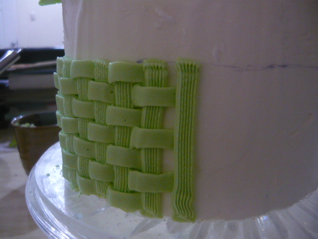 FOOD, DRINKS + PARTY: How to Make Basket Weave with Piping ...