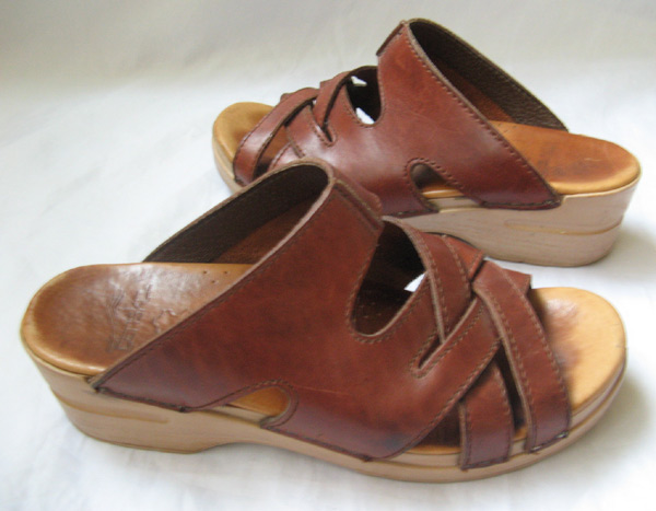 closet dansko wedge sandals size 39 leather womens