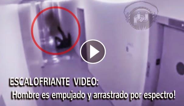 VIDEO ESCALOFRIANTE: Un hombre es empujado y luego arrastrado por un supuesto espectro