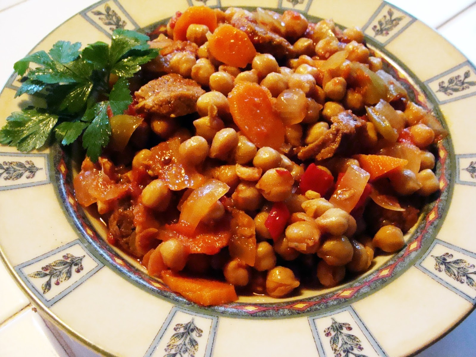 ... / 21st Century Table: SPICY VEGAN BASQUE CHICKPEA & SAUSAGE STEW