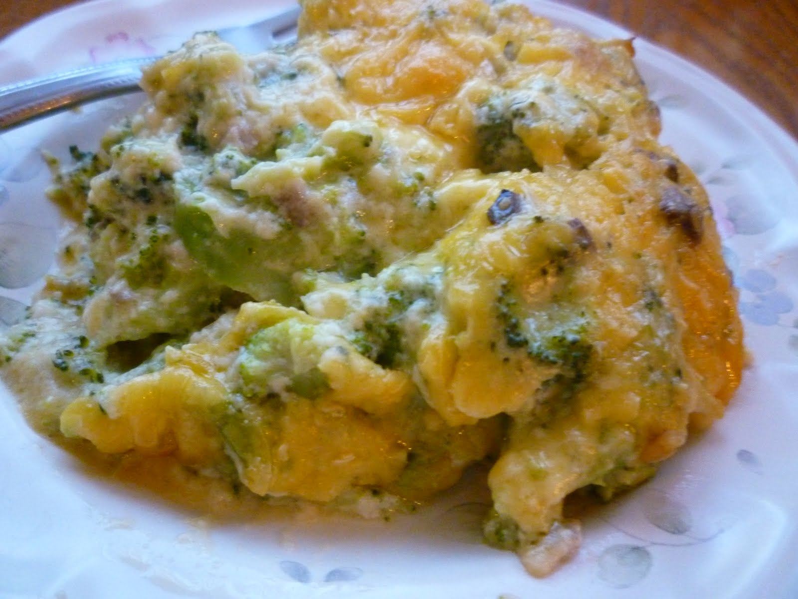 SimplEdibles: RAMEN BROCCOLI AND CHEESE CASSEROLE