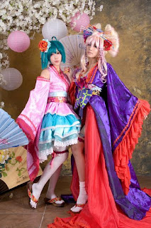 Macross Frontier Sheryl Nome and Ranka Lee Cosplay by Tasha and Tomia