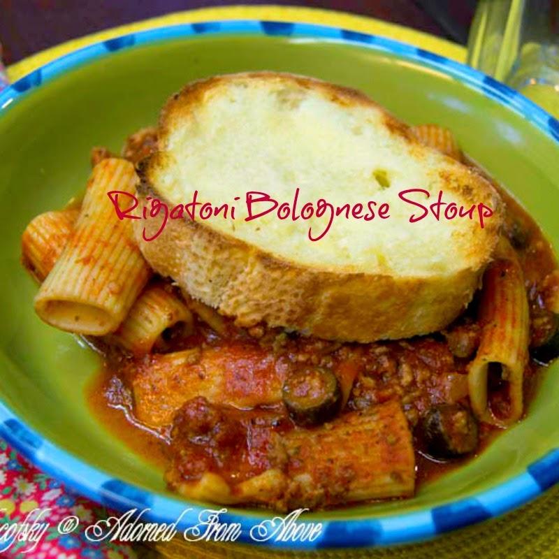 rigatoni Bolognese stoup / a thick Italian soup