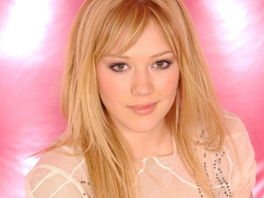 http://1.bp.blogspot.com/-0oo6truut2s/UPfx7FE5WWI/AAAAAAAAAjo/Ate-QPxdGJs/s1600/Hilary+Duff+4.JPG