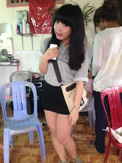 Viya Yasaki Phnom Penh Cute Girl Sexy Mini Skirt 11