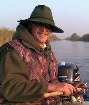 Click pe imaginea de mai jos, găsiţi multe informaţii de la un pescar de Dunăre