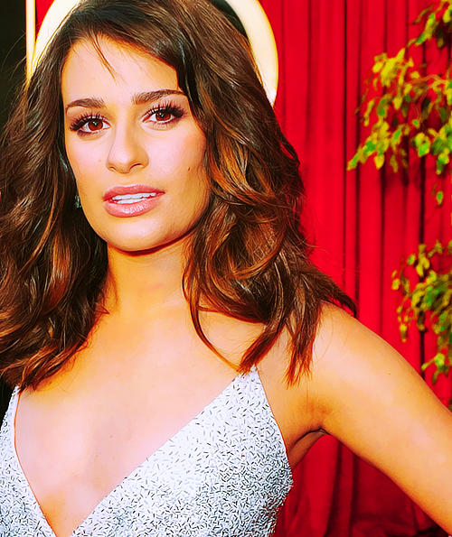 Lea Michele Hairstyles 35