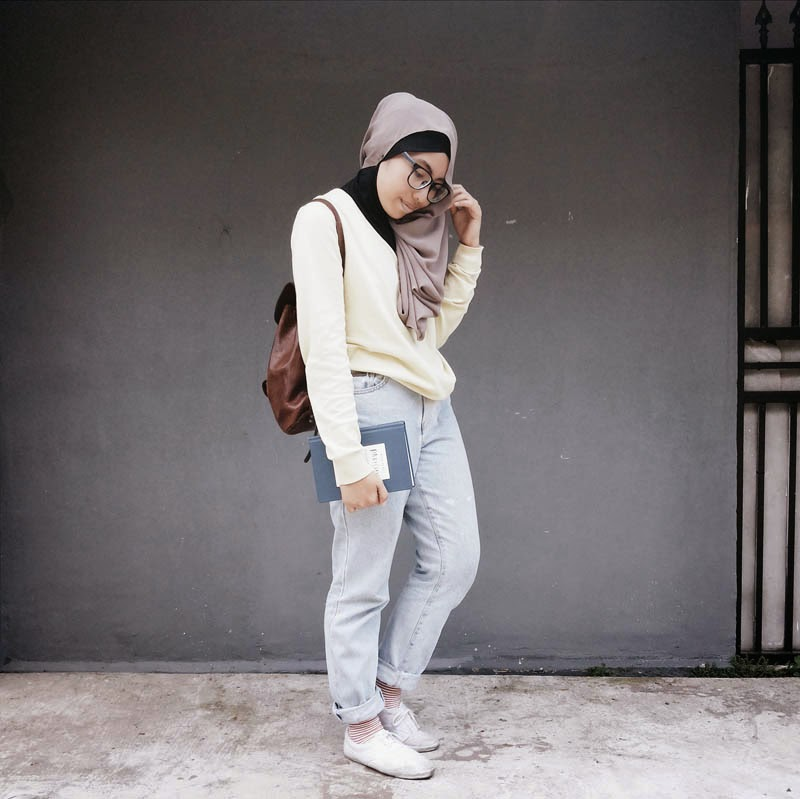Casual Hijab Style Get Up Survive Go Back To The Bed