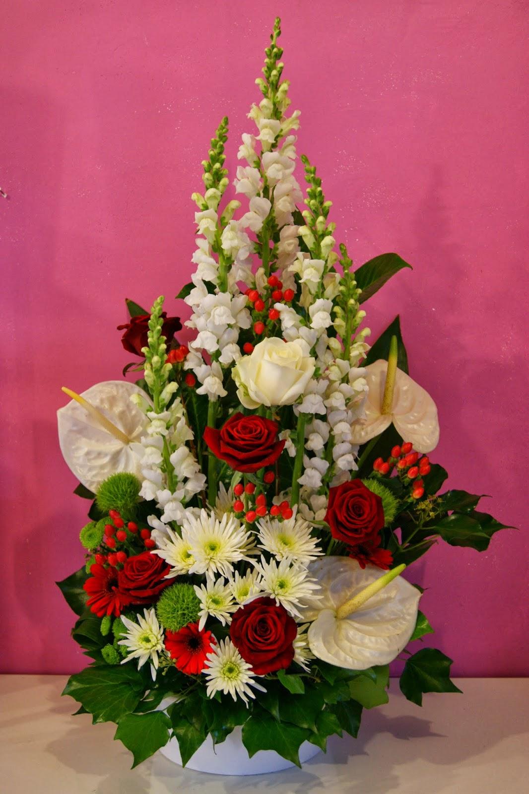 des magnolias sur ma voie lact e composition en hauteur mariage rouge blanc. Black Bedroom Furniture Sets. Home Design Ideas