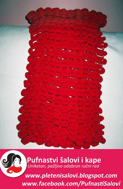 crveni pufnasti sal dodir ljubavi