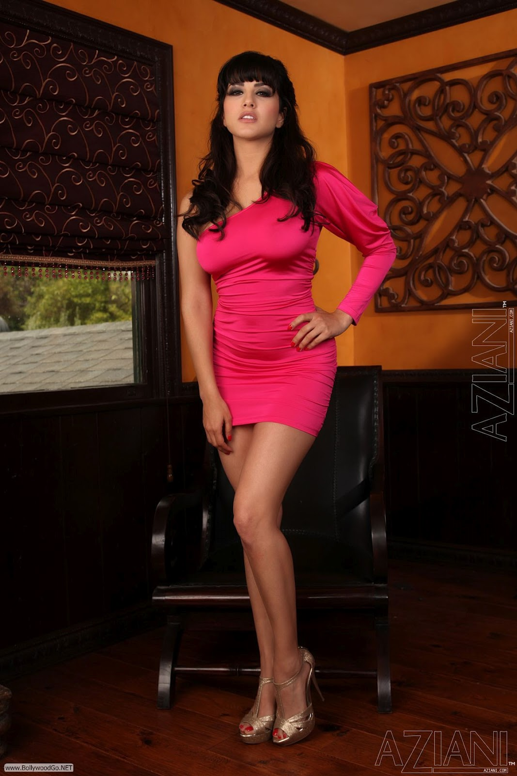 Sada in Blue Short Skirt Tempting Spicy Photo Collection