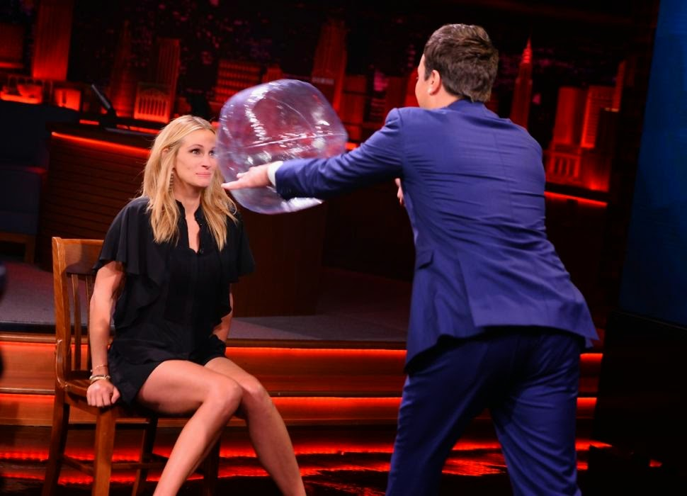 The 46-year-old got even more attractive when she demonstrated her energetic skill into the game in the tonight show on Thursday, July 31, 2014.