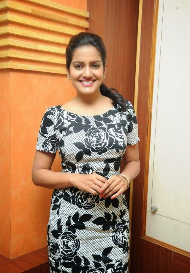 Vishakha Singh New Stunning Photos