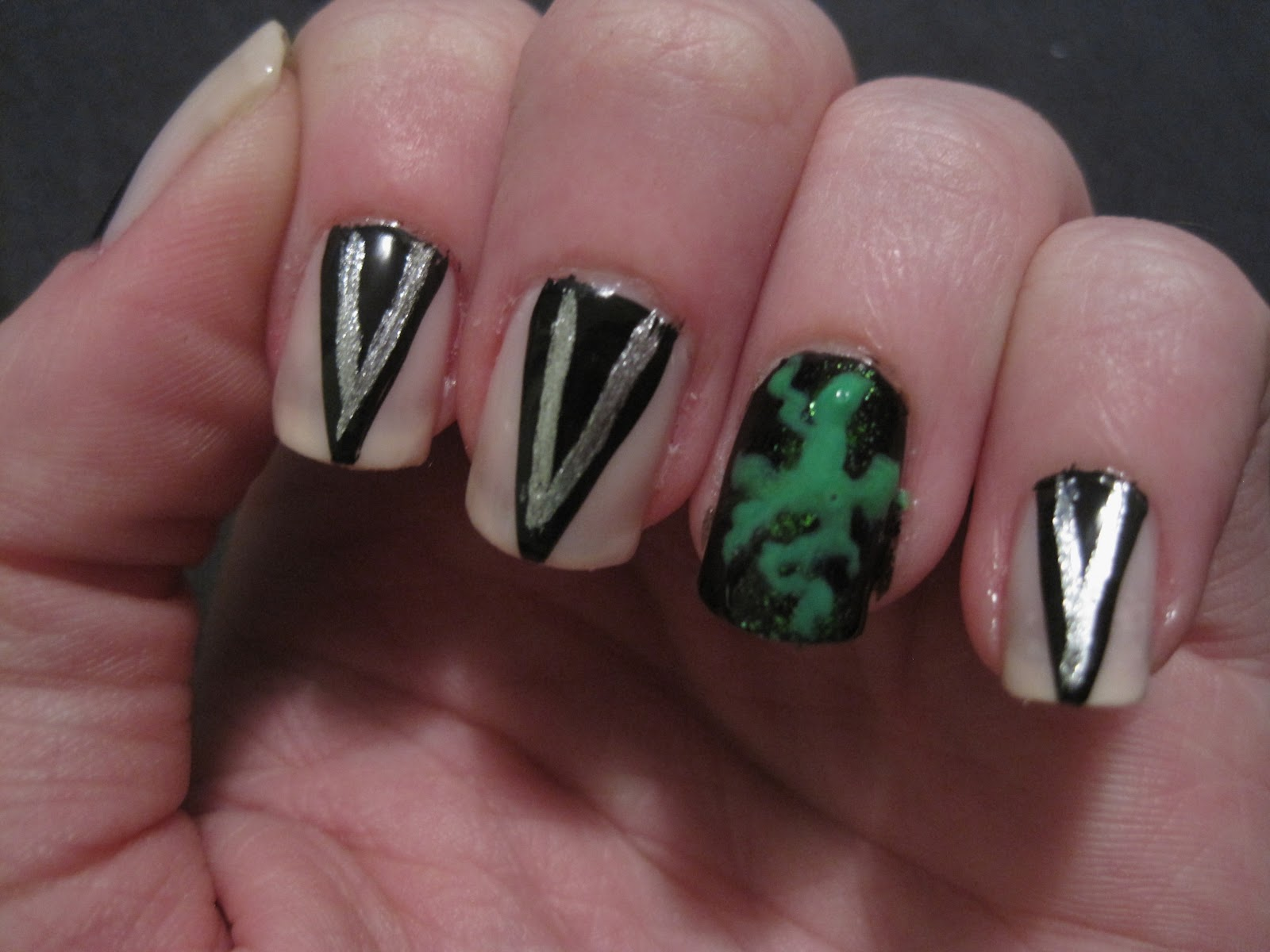 Evanora Oz Nails These are inspired by nailsEvanora Nails