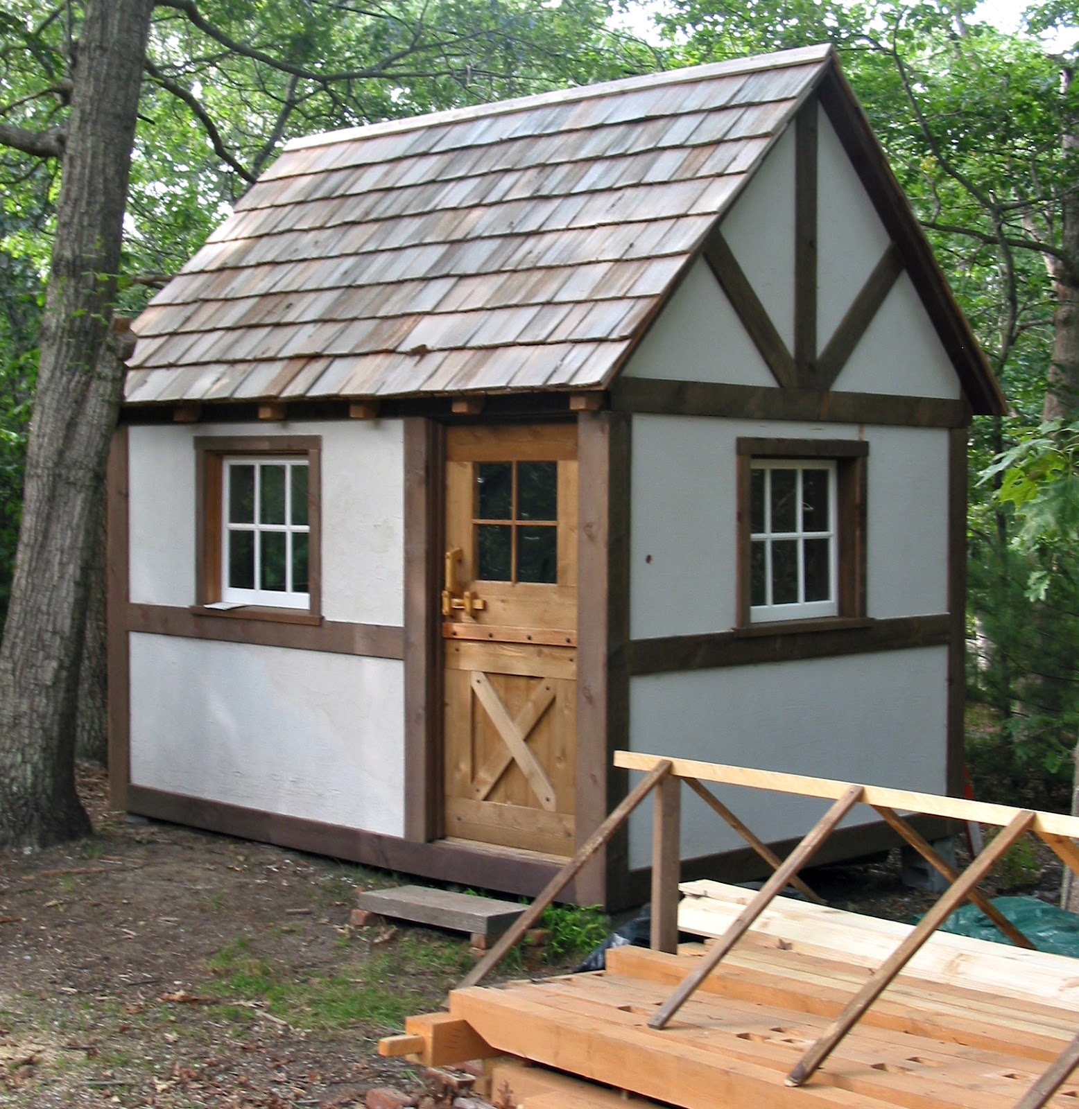 Lloyd s blog prefab amish shed for Prefab garden sheds