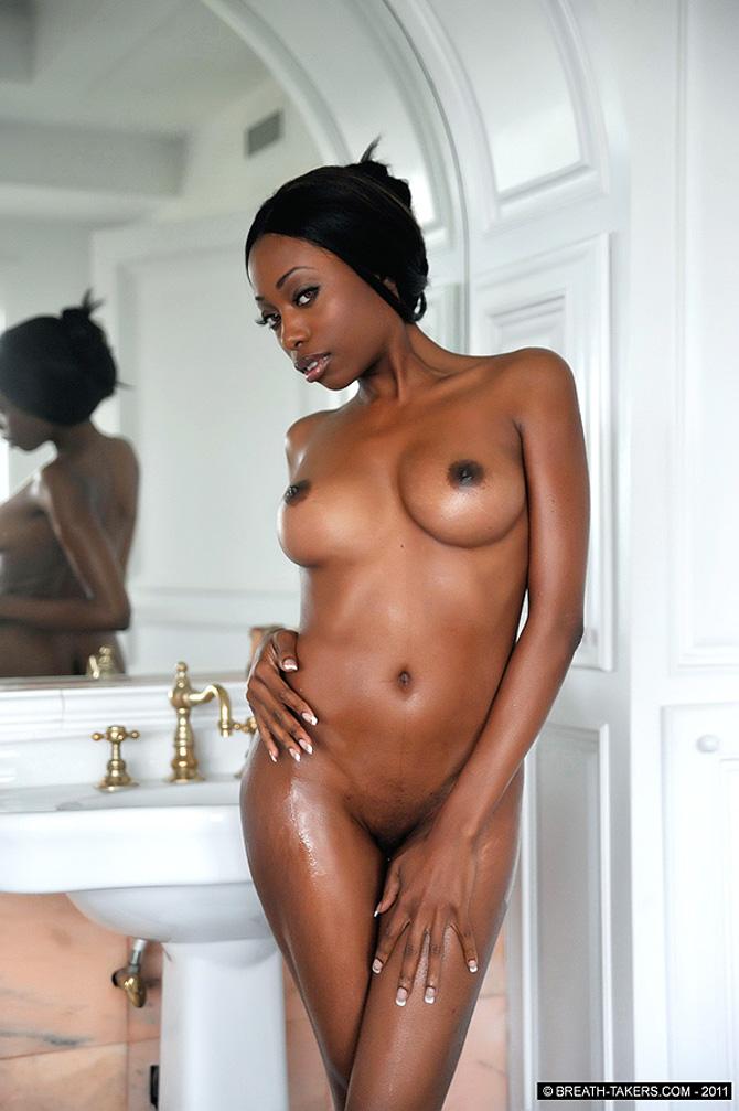 Mulheres Negras Nuas