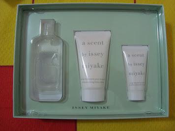 A scent by Miyake - de R$ 350,00 por R$ 149,00