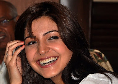 Gorgeous Anushka Sharma Wallpaper