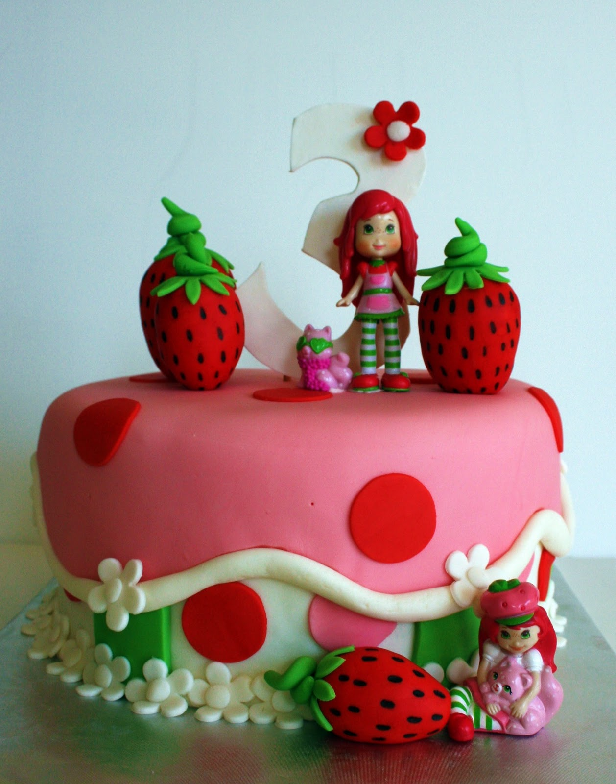 Strawberry Shortcake Cake Recipe   Dishmaps