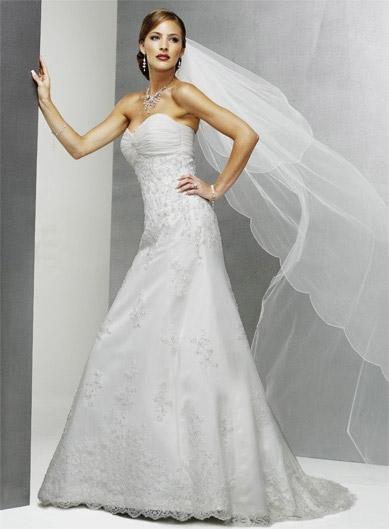 Bilder von Brautkleidern Verleih