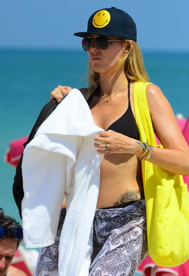 Miley Cyrus's mother,‭ ‬Tish relaxes in a Bikini in Miami