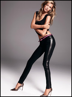 Behati Prinsloo sexy long slim legs in tight denim leggings from Juicy Jeans