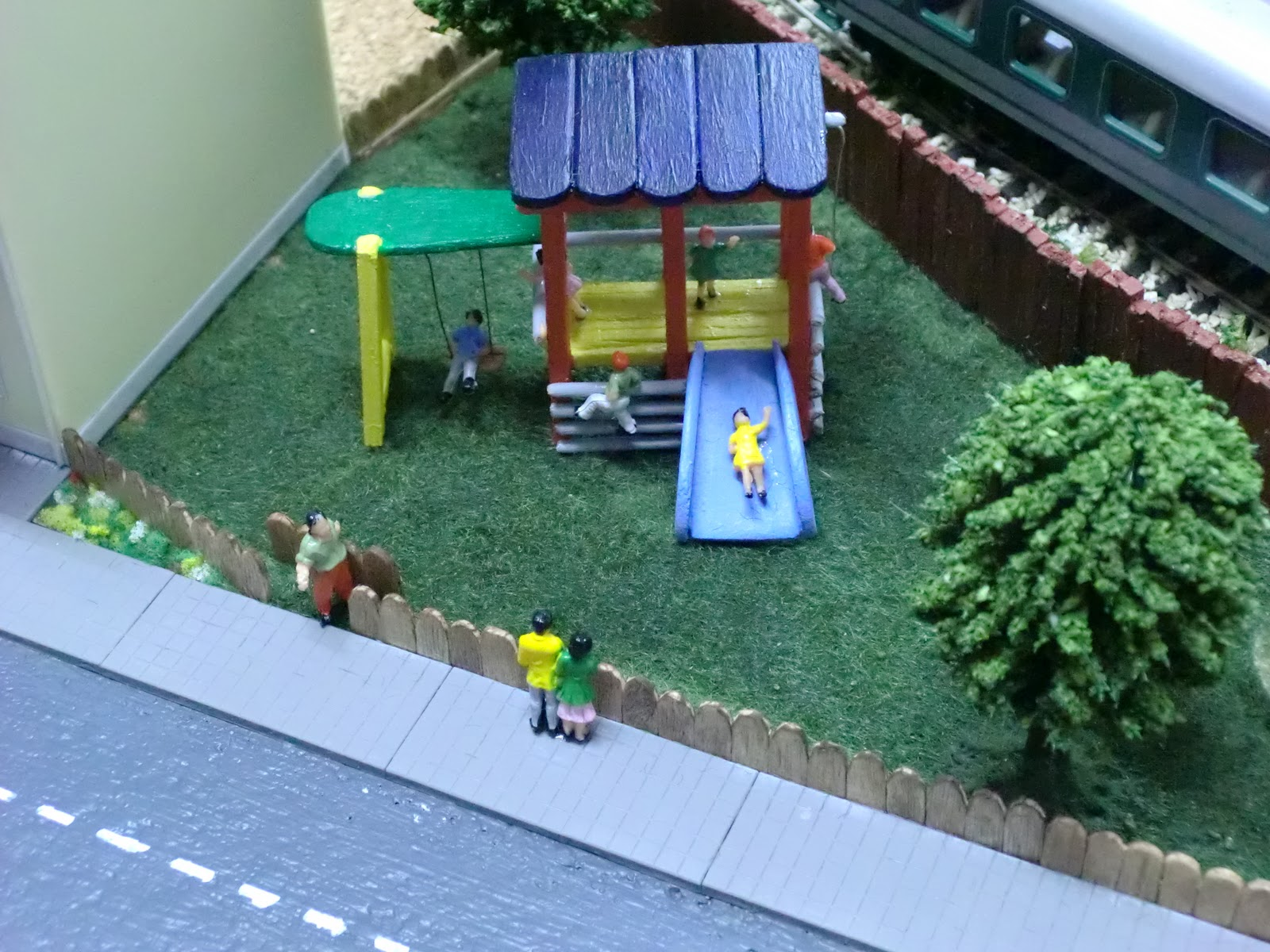 La maqueta de sponsh escala h0 v 4 0 parque infantil - Construir parque infantil ...