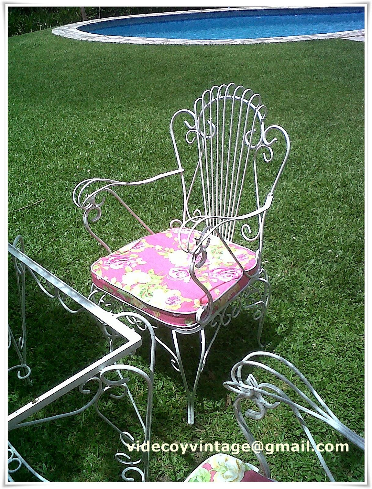 Videcoyvintage deco sillones de hierro for Almohadones para sillones jardin