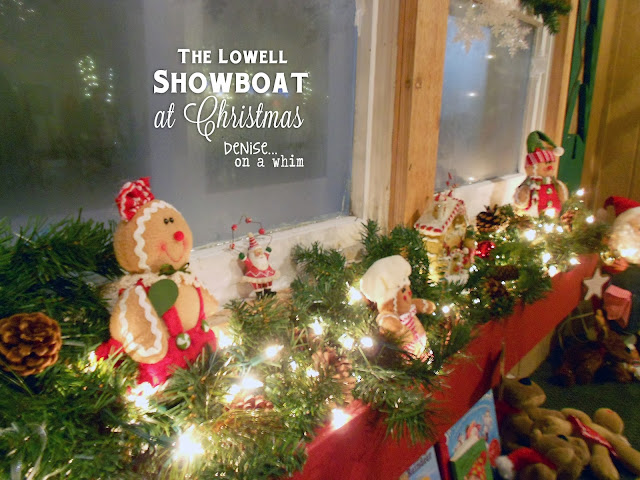 Gingerbread men on the Lowell Showboat at Christmas via http://deniseonawhim.blogspot.com