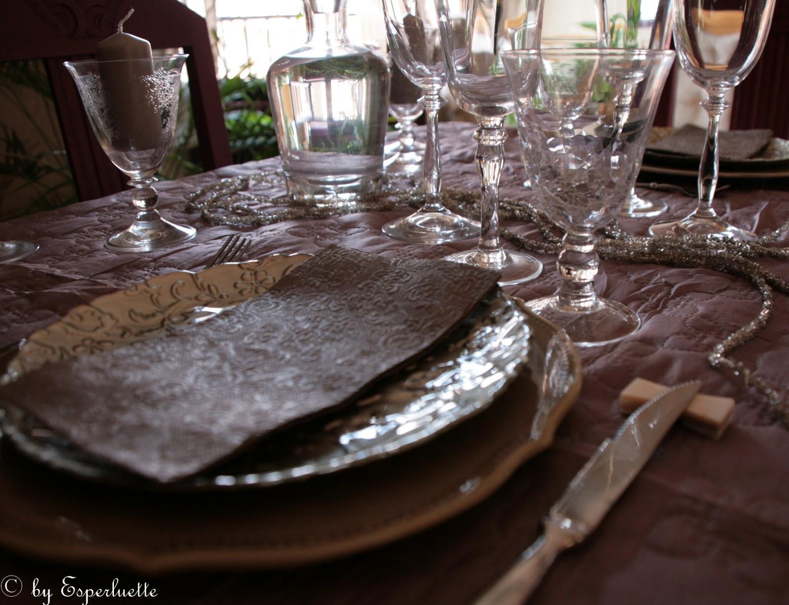 Jours de bonheur jolie table d ner en amoureux - Table amoureux ...