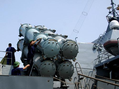 nhiều vũ khí mới và lạ của Quân đội Nhân dân VN