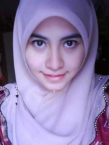 Foto Gadis Jilbab Perawan