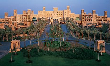 The famous hotels in dubai al qasr hotel madinat jumeirah for The famous hotel in dubai