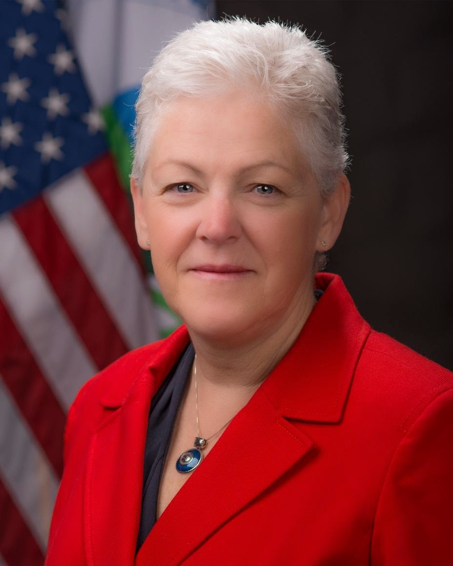 Gina McCarthy official portrait (Credit: en.wikipedia.org) Click to Enlarge.