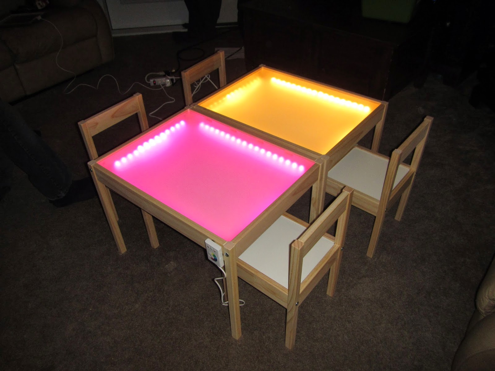 Hobby mommy creations diy light table ikea hack - Fabriquer une table lumineuse led ...