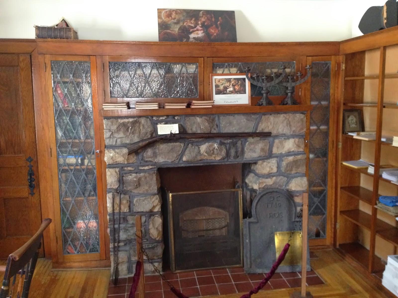 Nice old hearth, nice PA (Kentucky) long rifle | Firewood Hoarders ...