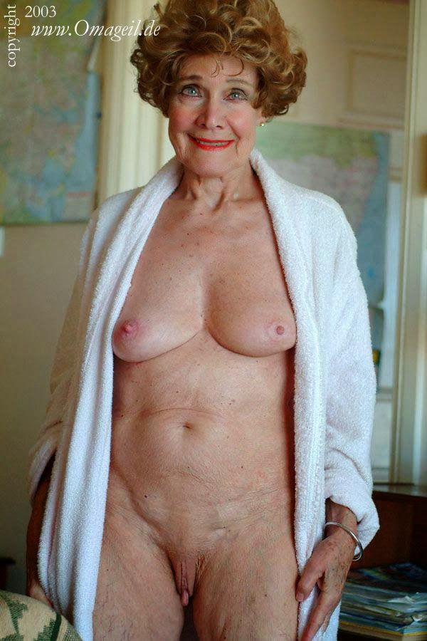 Hot granny nudist