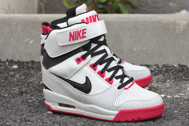 nike air revolution rose