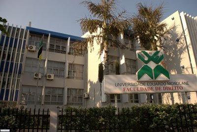 A universidades Eduardo Mondlane (UEM), figura no top-100 das melhores universidades africanas.