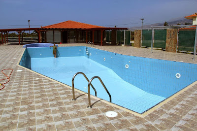 Monachus Monachus Apartments: Pool-Coffee Area