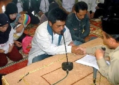 Tokoh Ahmadiyah M Rusli Salim bertaubat (foto Antara)