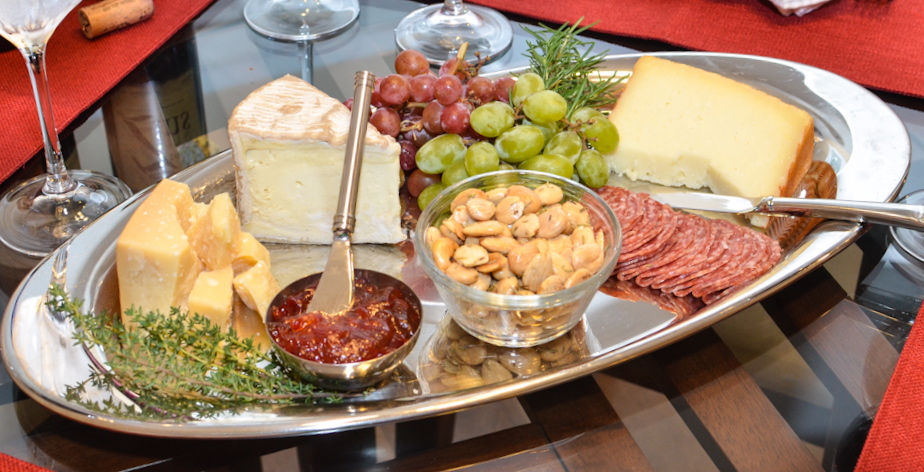 Confessions of a Cookaholic: Late Summer Cheese Plate