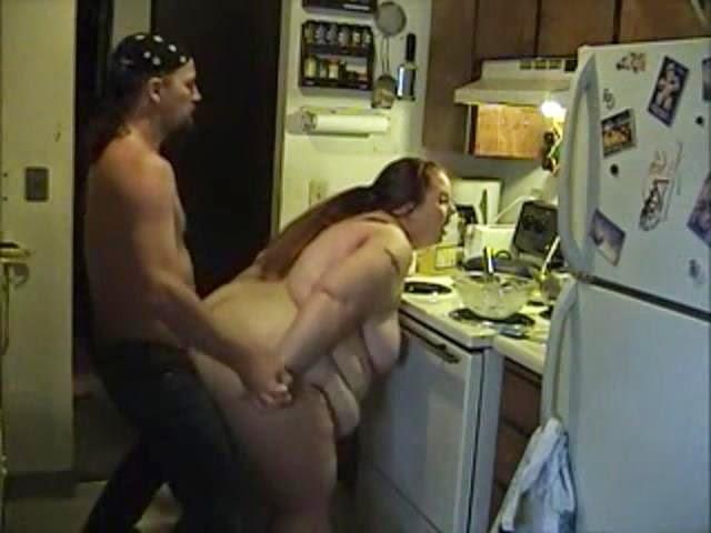 Quick ssbbw kitchen fuck