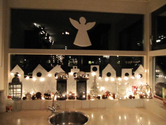 het zou verboden moeten worden dat ik nog in winkels kom waar kerstartikelen en kerstdecoraties te koop zijn het is allemaal zo mooi en verlijdelijk