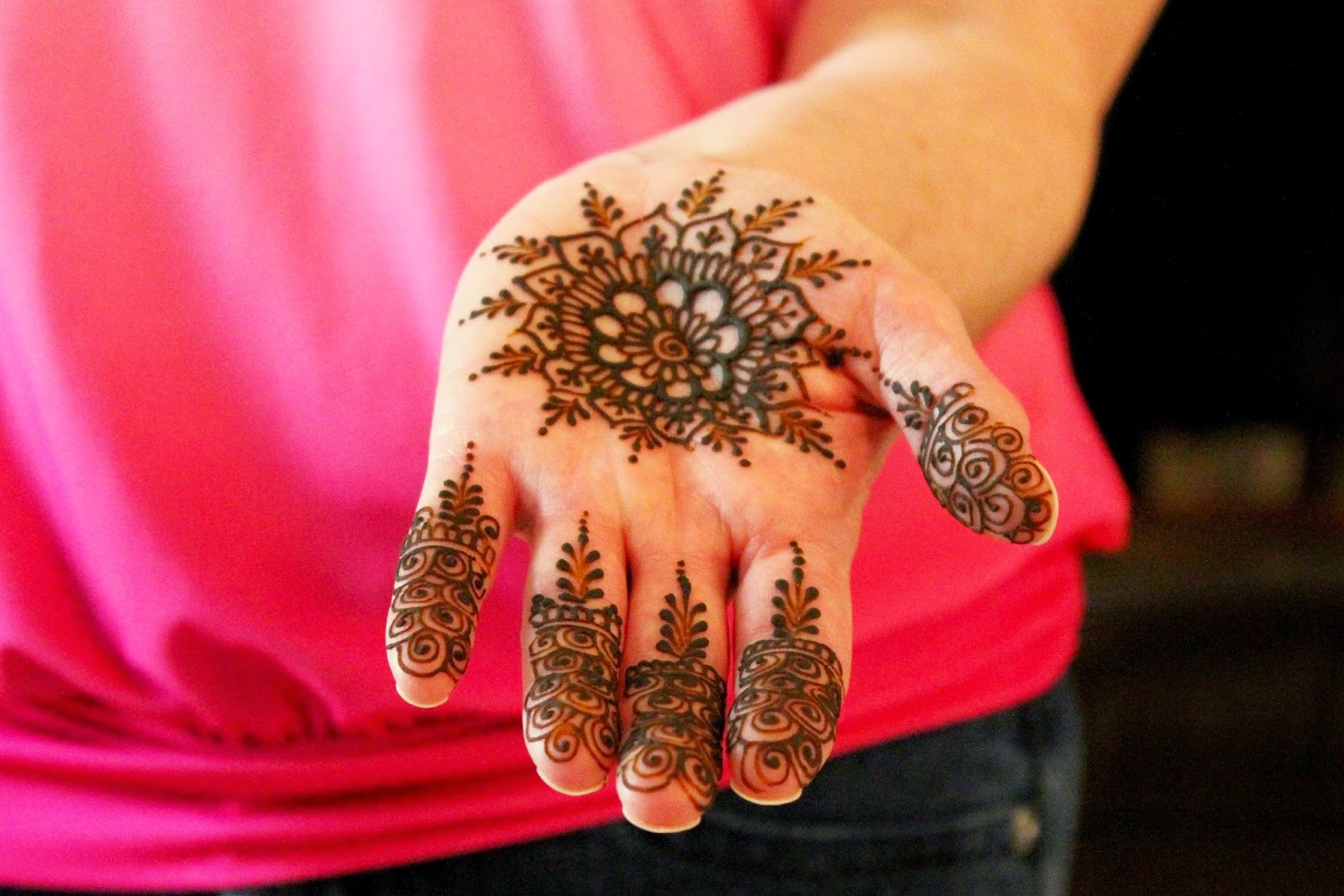 Mehndi For Party : Mehndi party a guide to having an amazing for your wedding